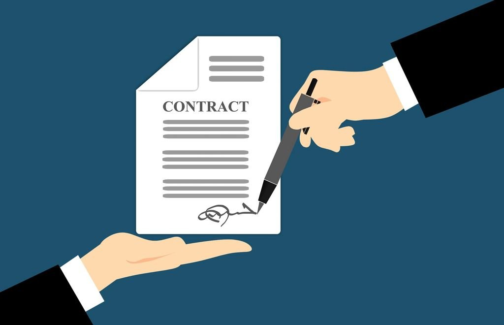 contract law real estate law
